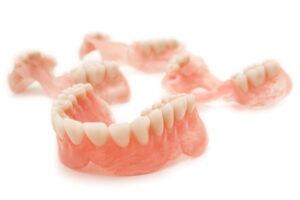 Zubní náhrada, protéza